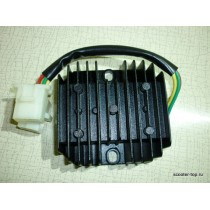 Регулятор напряжения 2 фишки 5 контактов 12V